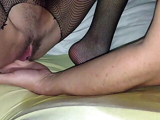 Best deep pussy licking and fingering and squirting