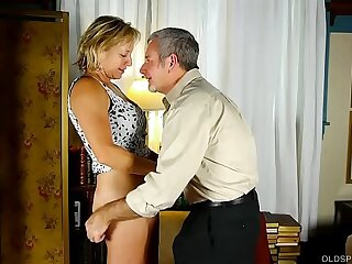 Tasty old spunker in thigh high boots is such a hot fuck