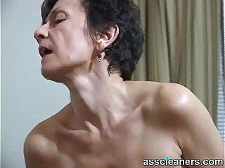 MILF facesits a man and got her ass hole cleaned and licked