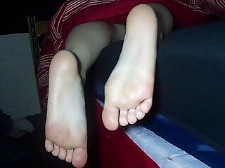 cumming on sleeping soles