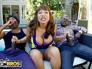 Cock for Hungry MILF Ava Devine Gets Right To The Point
